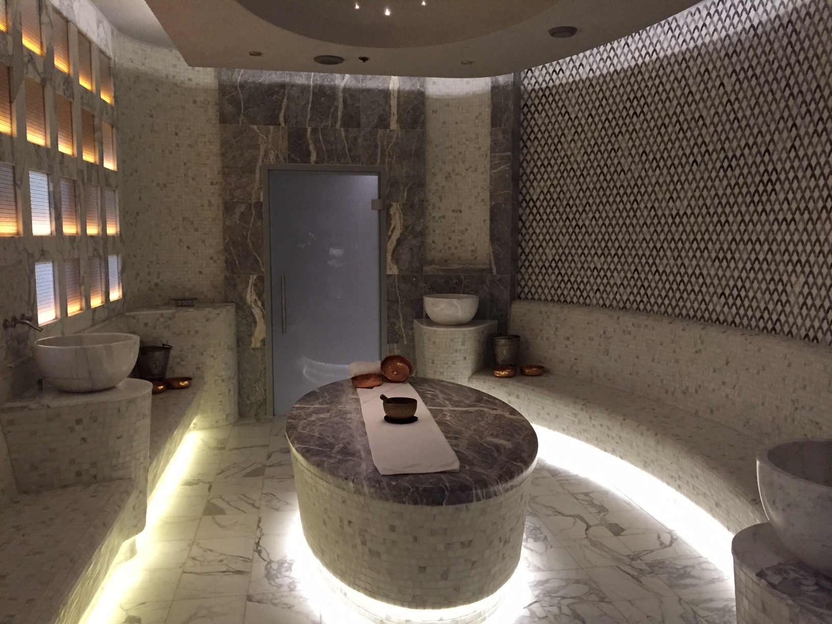 Luxe tiffany the vanderbilt ritual of the hammam for A luxe beauty salon